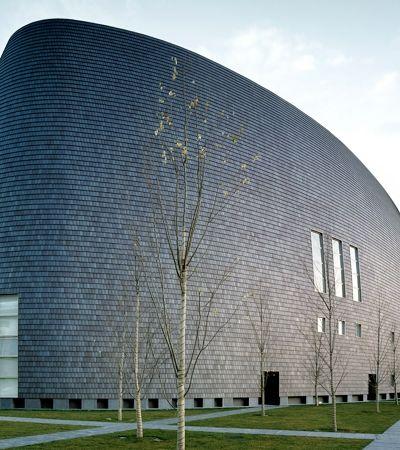 """Conheça o trabalho de Arata Isozaki, o vencedor do Prêmio Pritzker de 2019, o """"Nobel"""" da Arquitetura"""
