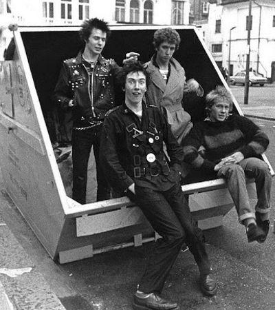 Punks, ska e hip hop: fotógrafa registrou o melhor do underground nos anos 1970 e 1980