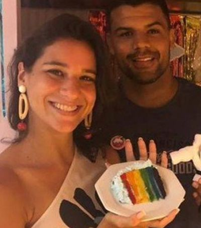Nadadora Joanna Maranhão dá apavoro épico em internauta homofóbico