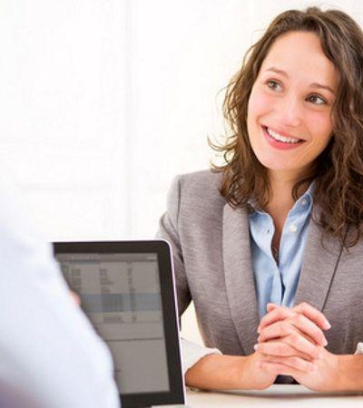 Mulheres tem 13% menos chances de serem consideradas por recrutadores, diz Linkedin