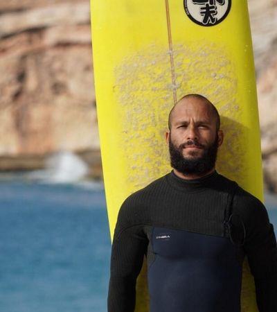 Surfista que salvou 50 pessoas de enchentes com jet ski na Grande SP visita vítimas