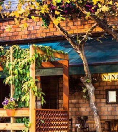 Restaurante é acusado de entregar reserva pré-paga de cliente para blogueira