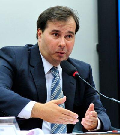 Deputado Rodrigo Maia culpa mulheres por candidaturas laranjas