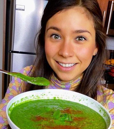 Os fãs desta famosa Youtuber vegana estão furiosos porque ela comeu peixe