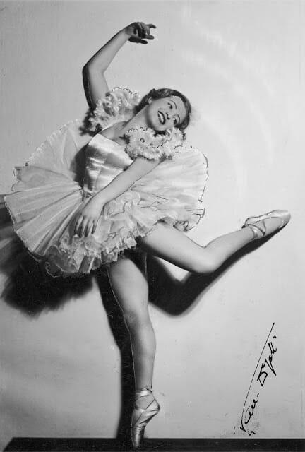 bailarina matou nazista 3