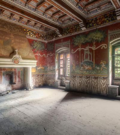 A incrível e insólita série de fotos de lugares abandonados na Itália