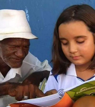 Menina de 9 anos ensina vendedor de picolé de 68 anos a ler e escrever no Ceará