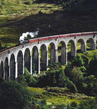 Fãs de Harry Potter já podem fazer tour no Hogwarts Express pelo interior da Escócia