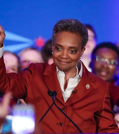 Negra, LGBT e ex-promotora: Nova prefeita quer mudar história de corrupção e violência em Chicago