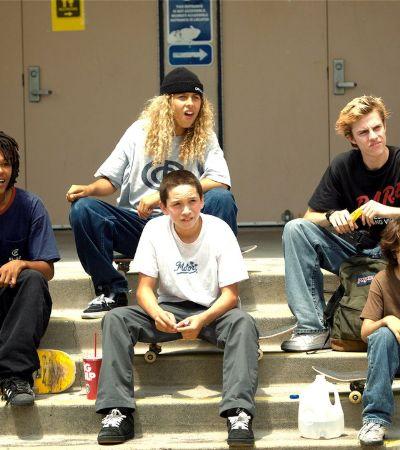 Por que assistir 'Mid90s', o filme de skate que faz graça da masculinidade tóxica dos anos 1990