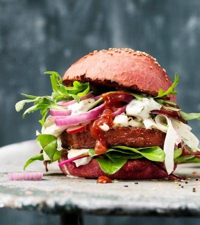 Nestlé anuncia hambúrguer vegano à base de beterraba, cenoura e pimentão
