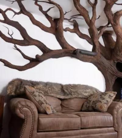 Artista cria incrível árvore de papel e argila dentro de casa para seu gato