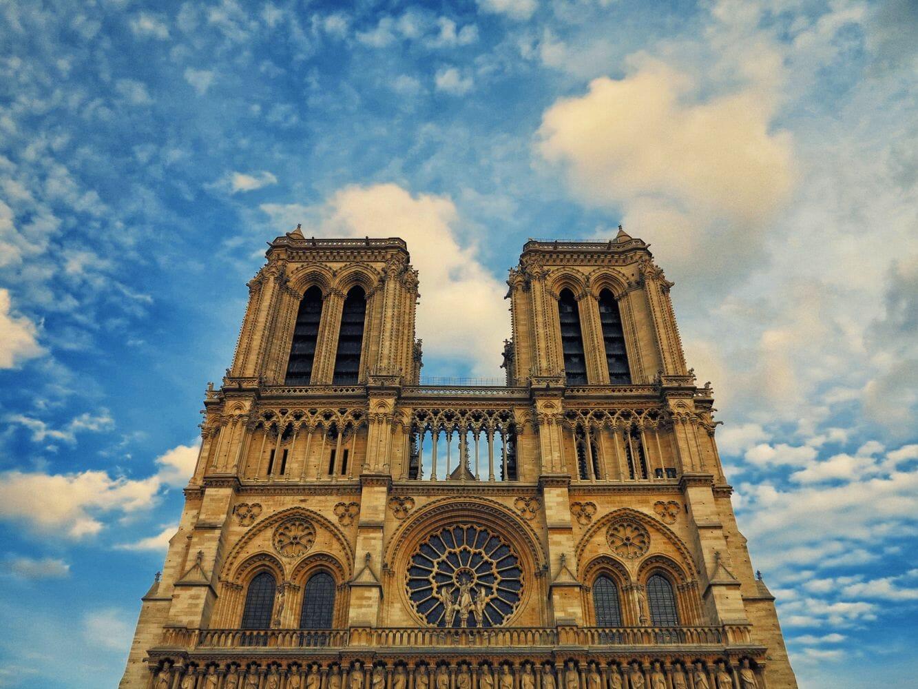 abelhas incêndio Notre Dame 2