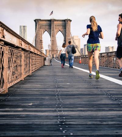 Exercícios trazem mais felicidade que dinheiro, aponta estudo