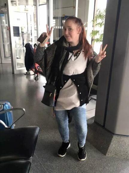 Jovem veste 4 kg de roupas para escapar da multa por excesso de bagagem