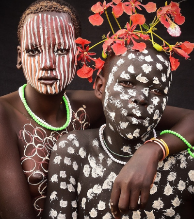 Retratos capturam a beleza das mulheres da tribo Suri da Etiópia