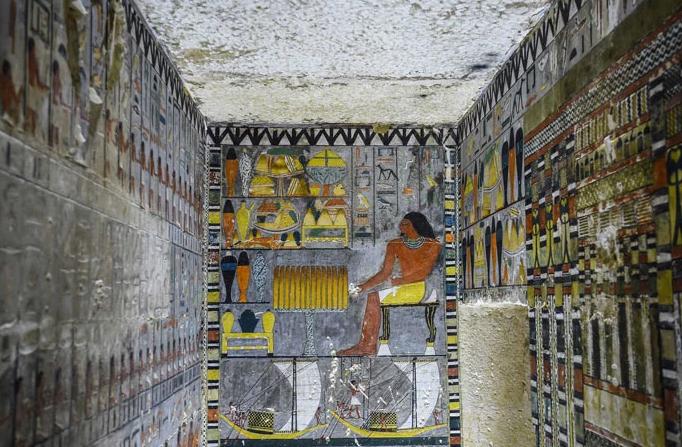 túmulo egipcio recém pintado 5