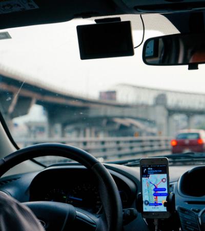 Motorista da Uber cancela corrida de mulher ao descobrir que ela estava indo para clínica de aborto
