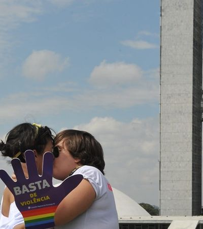 Vitória! Comissão do Senado aprova criminalização da homofobia