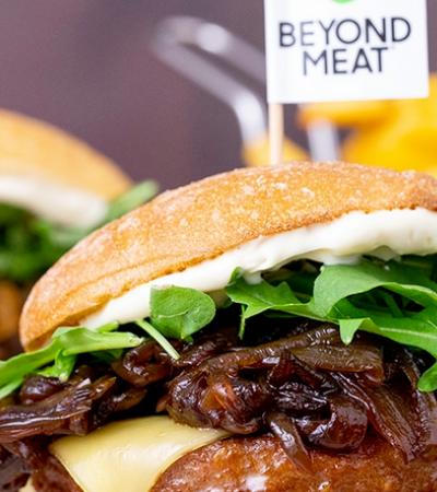 Empresa de carne vegana Beyond Meat bomba na Bolsa de NY e já vale R$ 23 bilhões