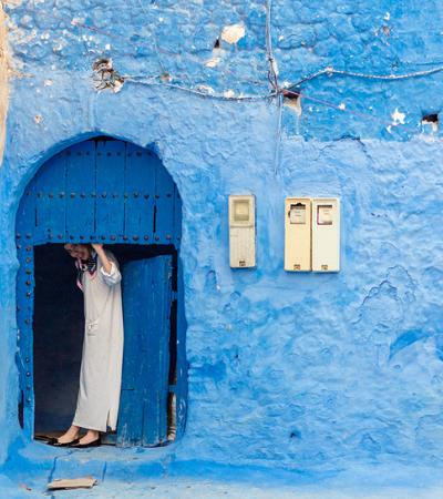 Dupla de fotógrafos faz o mais belo registro da cidade azul, no Marrocos