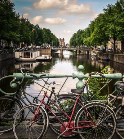 Até 2030 será proibido usar veículos a gasolina e diesel em Amsterdã
