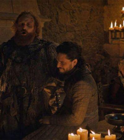 'Game Of Thrones' ou Starbucks? Esqueceram um café nada medieval em episódio novo da série