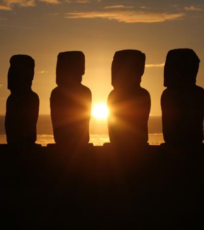 Estátuas da Ilha de Páscoa estão sendo danificadas por turistas e suas selfies