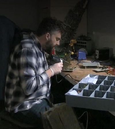 Técnico de som tem viagem de LSD ao consertar sintetizador dos anos 1960