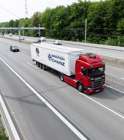Alemanha inaugura estrada elétrica, com recarregadores para caminhões