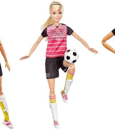 Agora vai! Barbie finalmente lança boneca jogadora de futebol