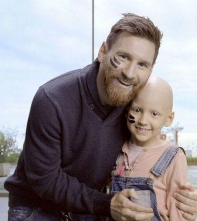 Messi ajuda a construir o maior hospital de câncer infantil da Europa