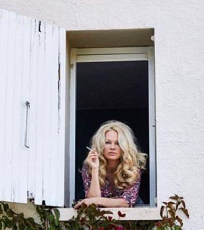 Pamela Anderson fala de relação abusiva com jogador campeão mundial