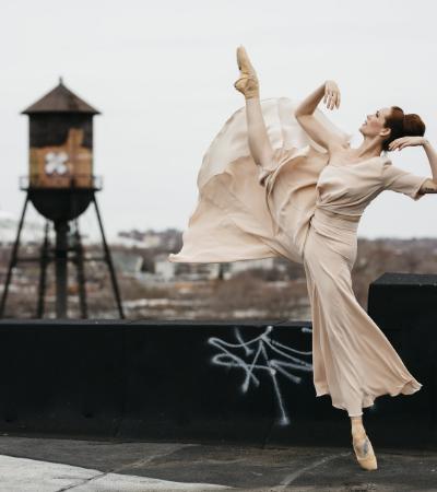 Série retrata bailarinos dançando com os mais incríveis vestidos