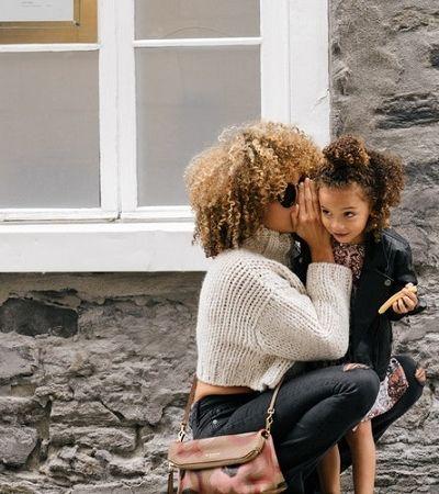 Juntas elas vão longe: 5 iniciativas que contribuem para a vida das mulheres