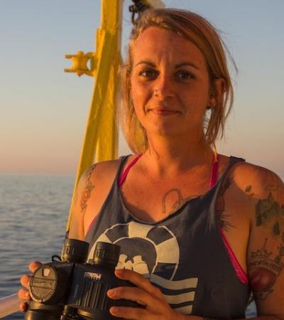 A capitã de barco alemã que enfrenta 20 anos de prisão por salvar refugiados