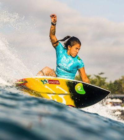 Donas da praia: as surfistas que estão dropando as desigualdades de gênero no esporte