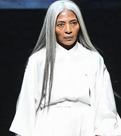 Rihanna escolhe modelo JoAni Johnson, de 67 anos, para estrelar campanha de sua marca