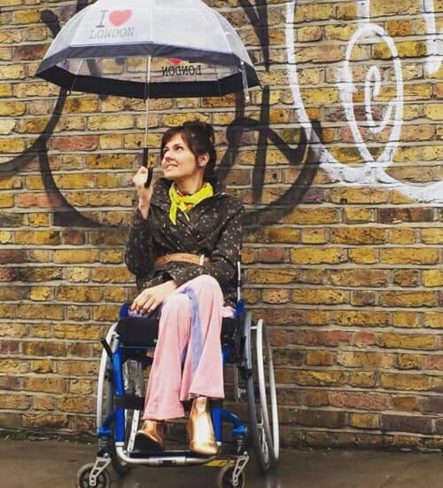 Michele Simões: 'As pessoas com deficiência precisam se enxergar e ser enxergadas pela moda'