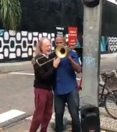 Alceu Valença ouve músico de rua tocando 'Anunciação' e decide ajudá-lo