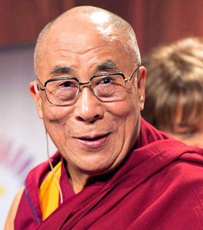 Dalai Lama se desculpa após declarações machistas