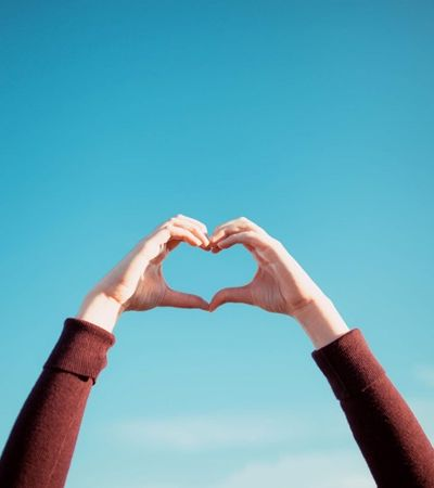5 leitores do Hypeness contam histórias surreais de encontros e desencontros do amor
