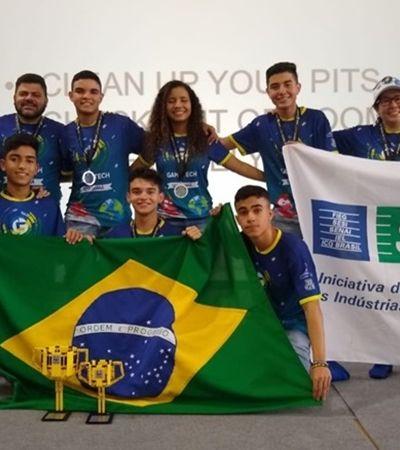 Com chiclete de pimenta, grupo brasileiro vence torneio de robótica da NASA