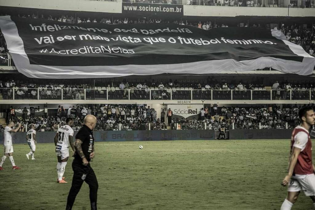 """""""Infelizmente, essa bandeira vai ser mais vista que o futebol feminino"""""""