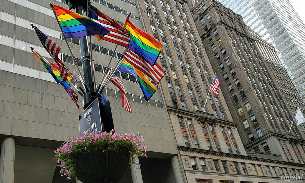 Bandeirinhas do arco-íris dominaram a cidade - Foto: Rafael Leick / Viaja Bi!
