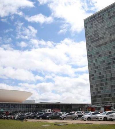 Câmara gasta R$ 20 milhões para deputados terem um banheiro para chamar de seu