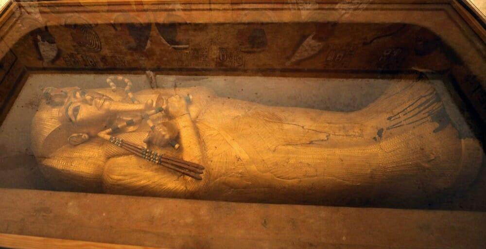 sarcófago tutancâmon 3