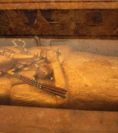 Sarcófogo de ouro de Tutancâmon vai ser restaurado