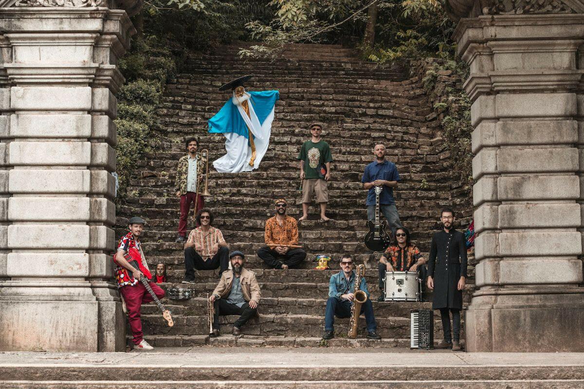 Nomade Orquestra é uma das atrações da Semana Coalática