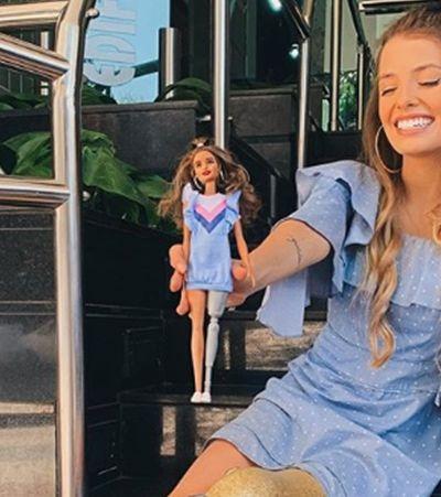 'Linda e importante!' Paola Antonini celebra barbie inclusiva com post no Instagram